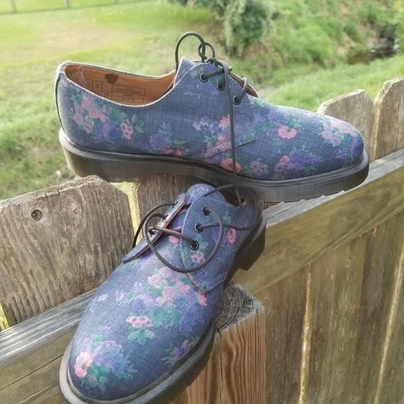 Dr. Martens Shoes - Womens Dr. Martens Floral leather 3-eyelet shoe
